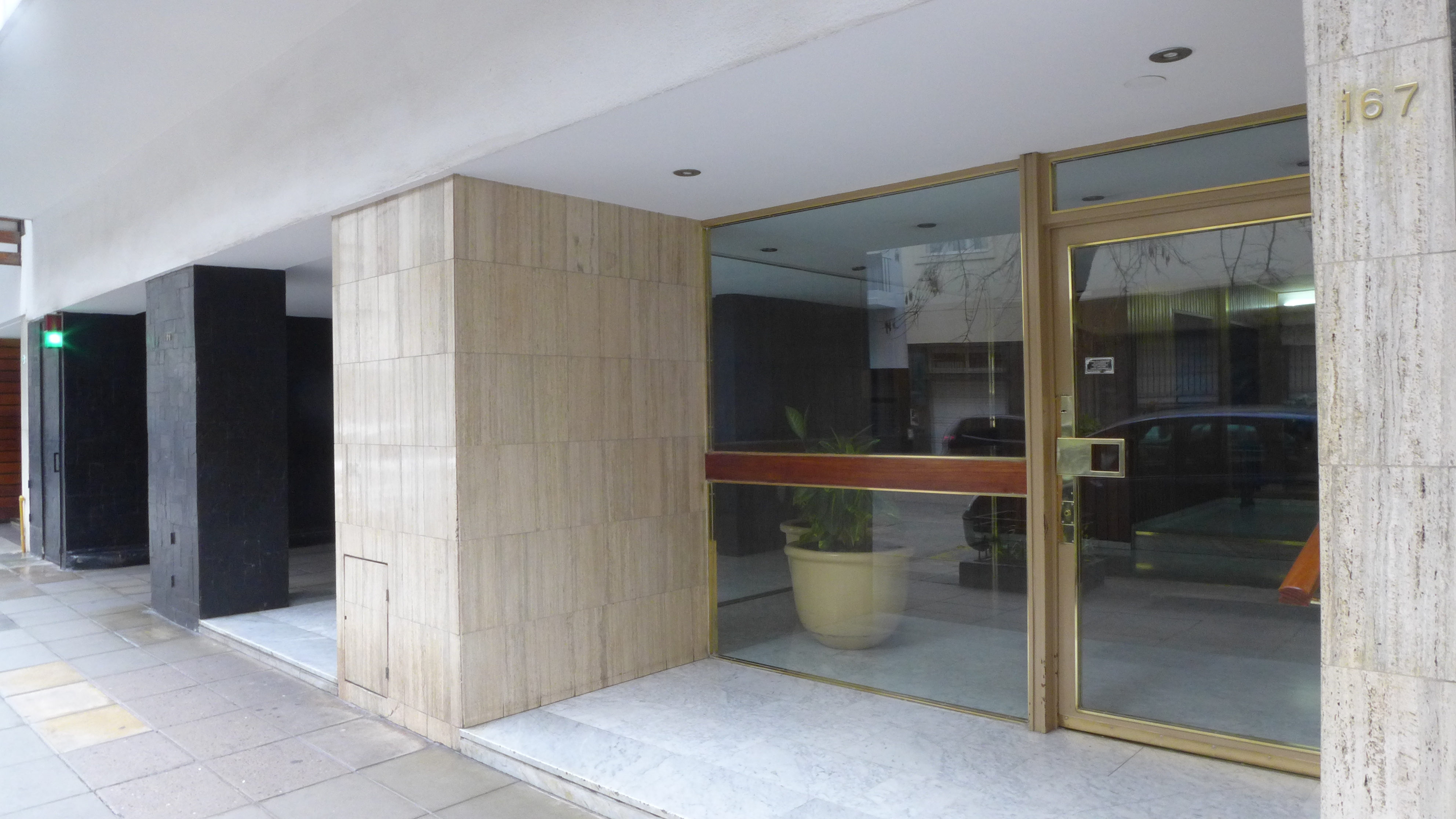 Entrada edificio arquitectura propiedades - Decoracion hall de entrada edificios ...